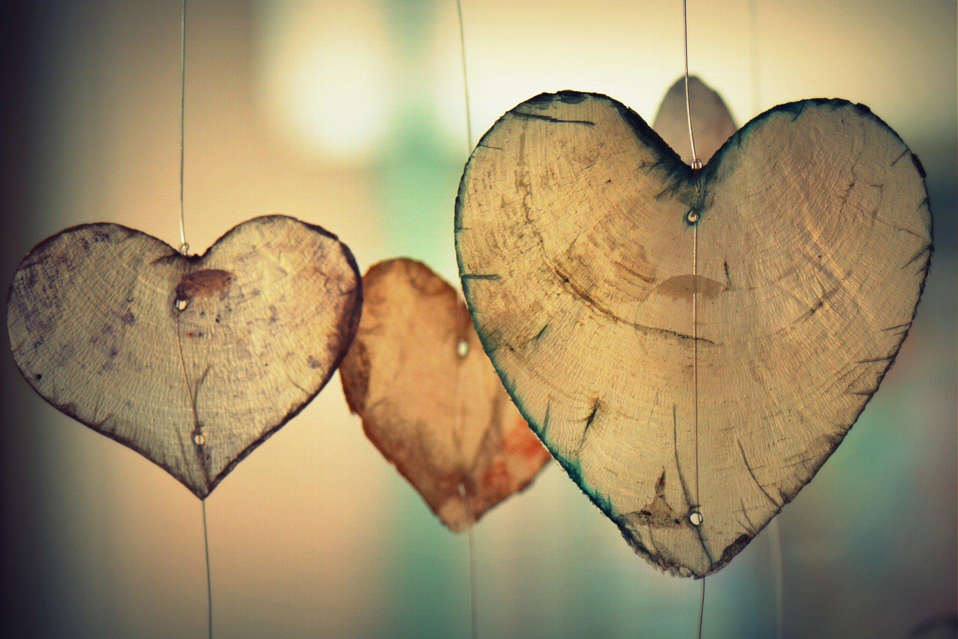 Holz Herzen Vikara Vastu